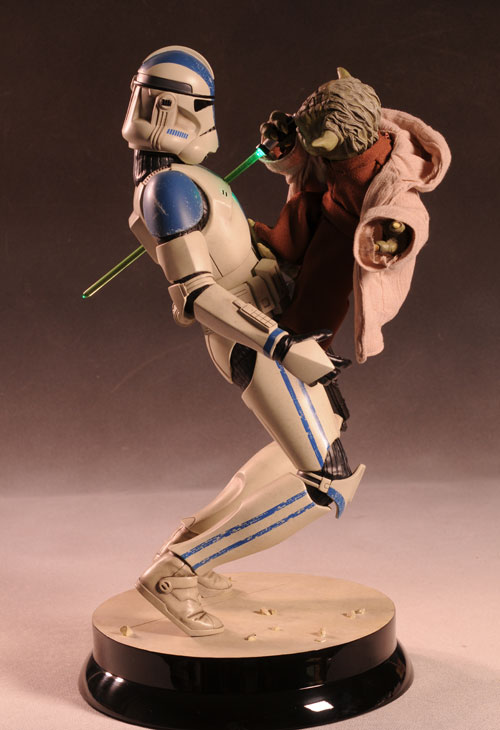 Star Wars Yoda vs Clone Trooper Premium Format statue by Sideshow Collectibles