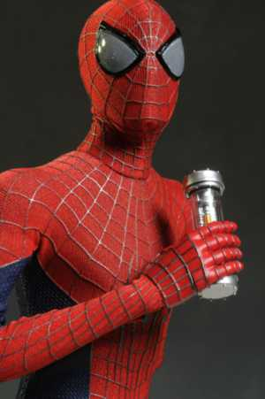 review and photos of amazing spiderman 2 sixth scale