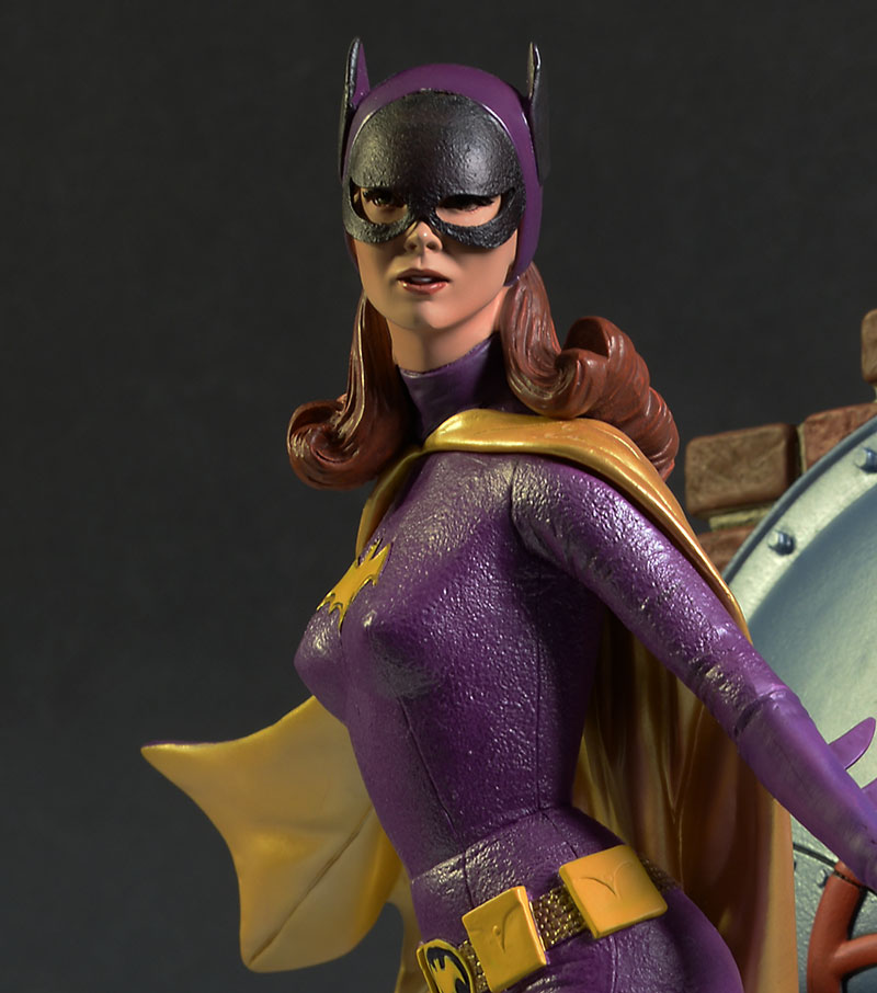Batgirl 1966 Batman TV Show statue by Tweeterhead/DST