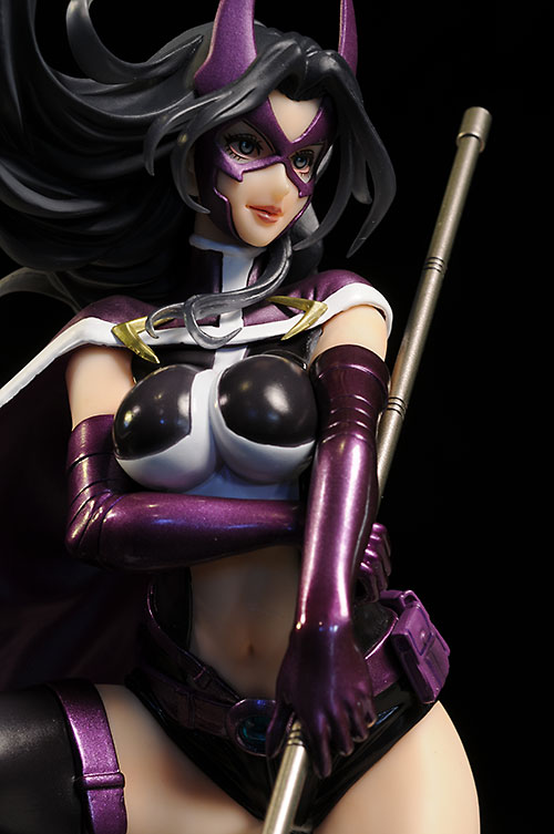 Bishoujo Huntress statue by Kotobukiya