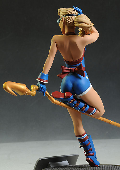 DC Bombshells Stargirl statue by DC Collectibles