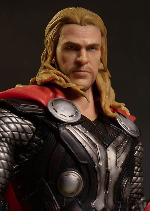 Thor, Captain America Action Hero Vignette statue by Dragon