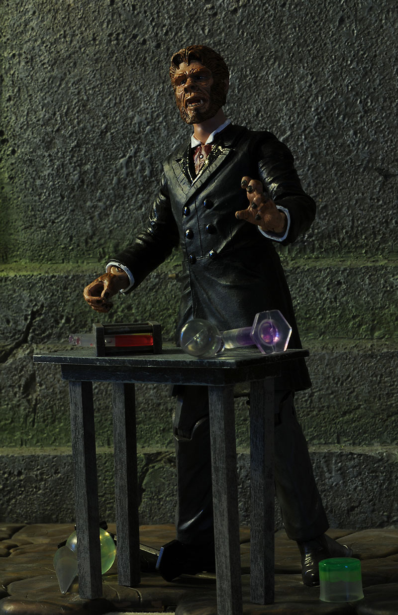 Dr. Jekyll and Mr Hyde Universal Monsters action figure by Diamond Select Toys