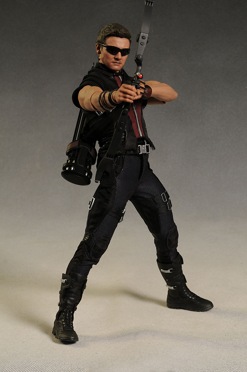 Review of Hawkeye - Avengers sixth scale action figureHot Action Figure
