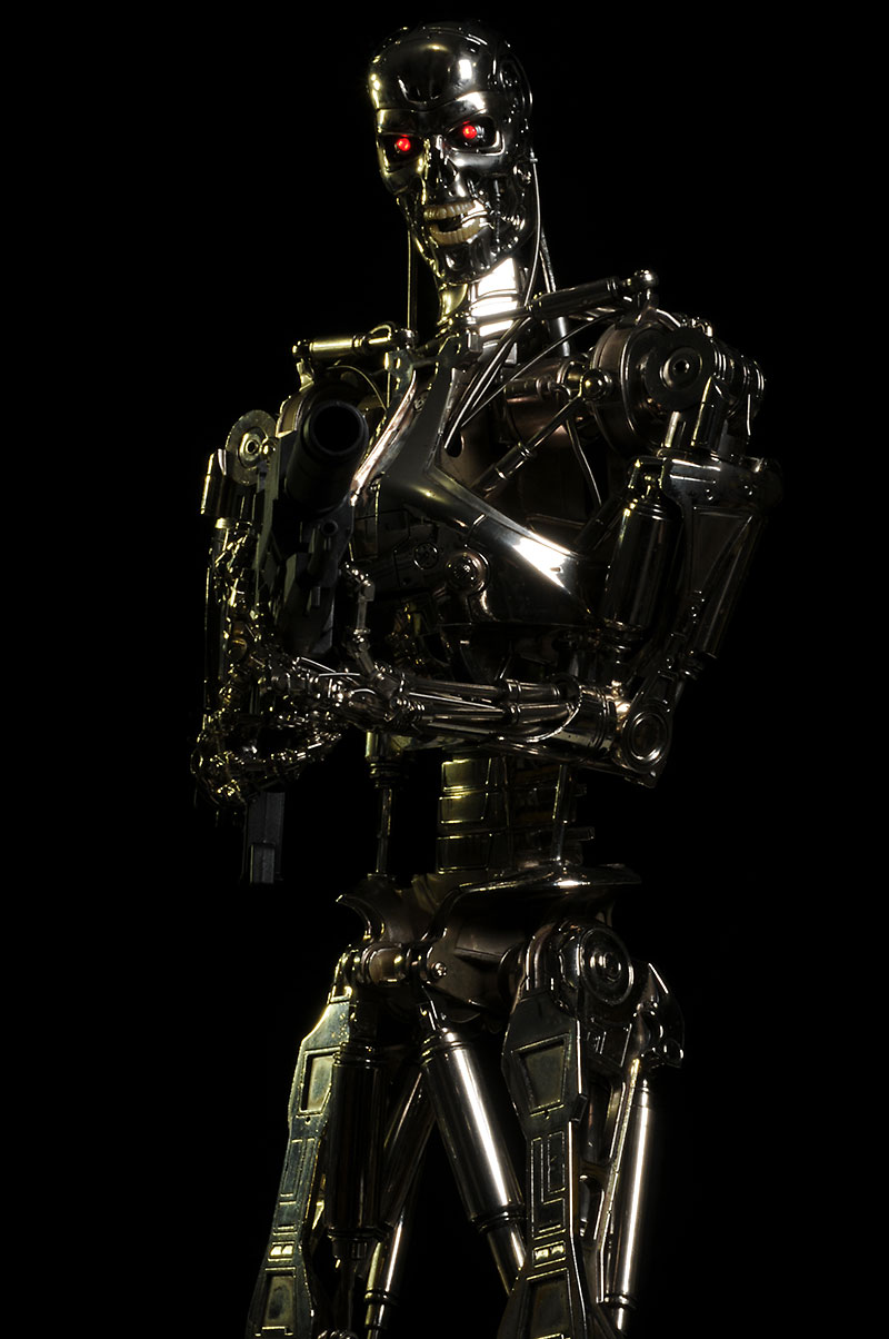 Terminator Endoskeleton 1/4 scale action figure by Hot Toys