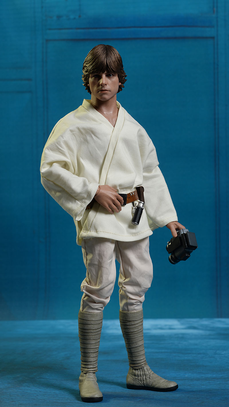 Star Wars New Hope Luke Skywalker sixth scale figure by hot Toys
