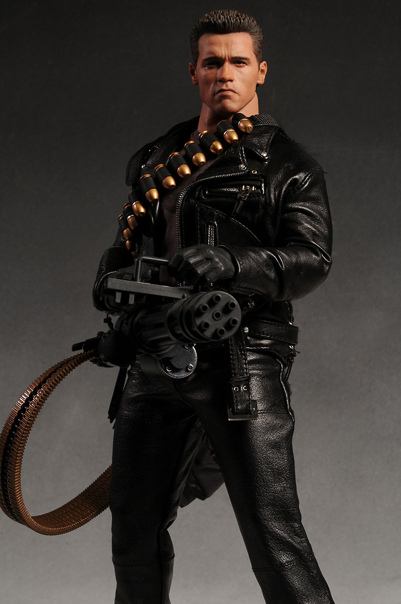 Hot Toys Terminator T-800 DX10