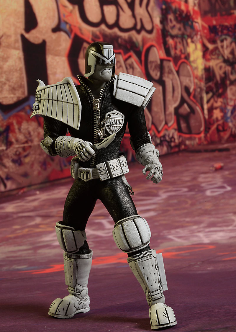One:12 Collective NYCC exclusive Dredd figure by Mezco
