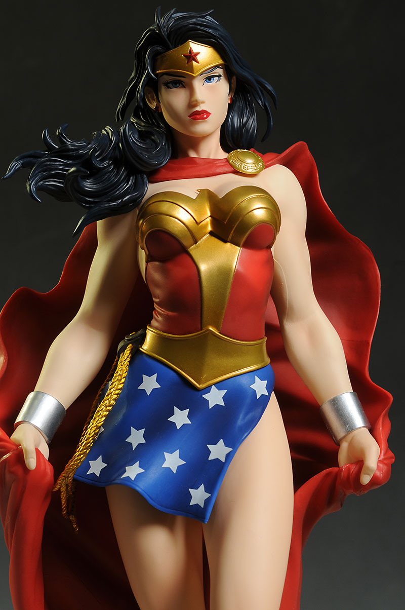 Wonder Woman ArtFX statue by Kotobukiya