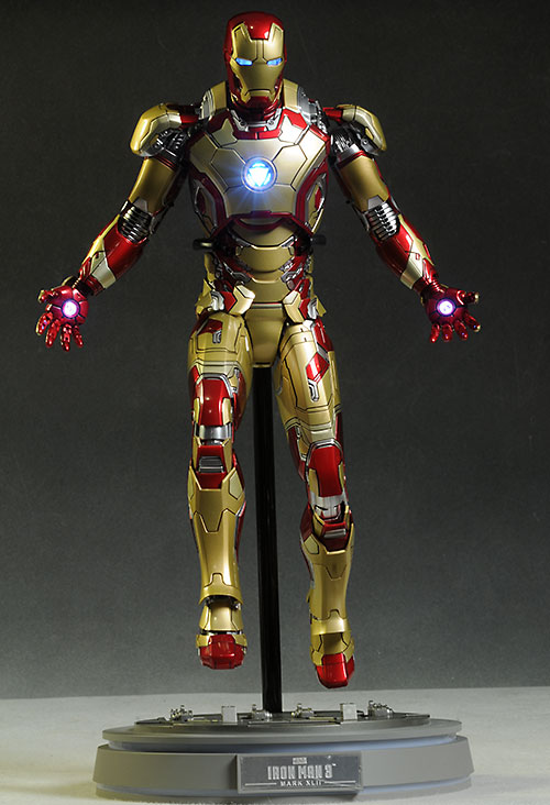 Hot Toys Iron Man MK XXLII die cast action figure