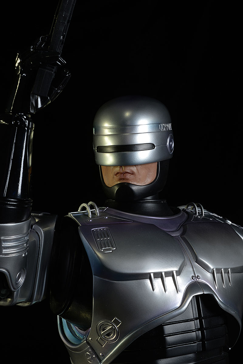 Robocop exclusive statue by Pop Culture Shock