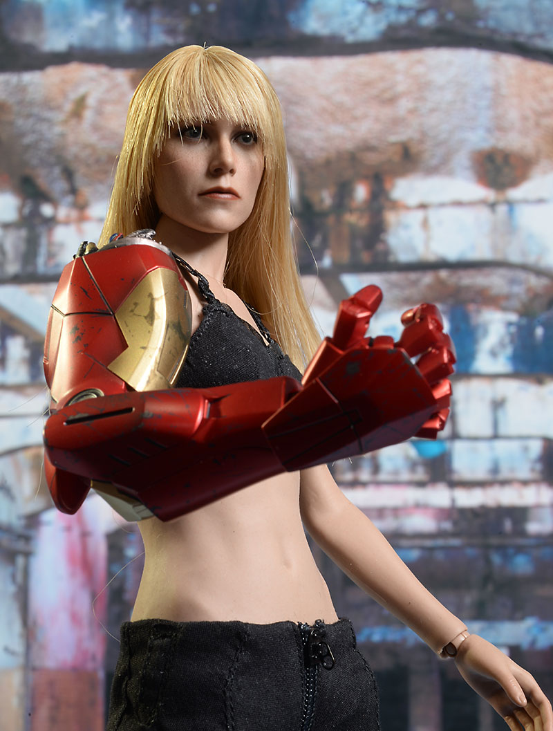 Iron Man MK IX, Pepper Pots action figure by Hot Toys