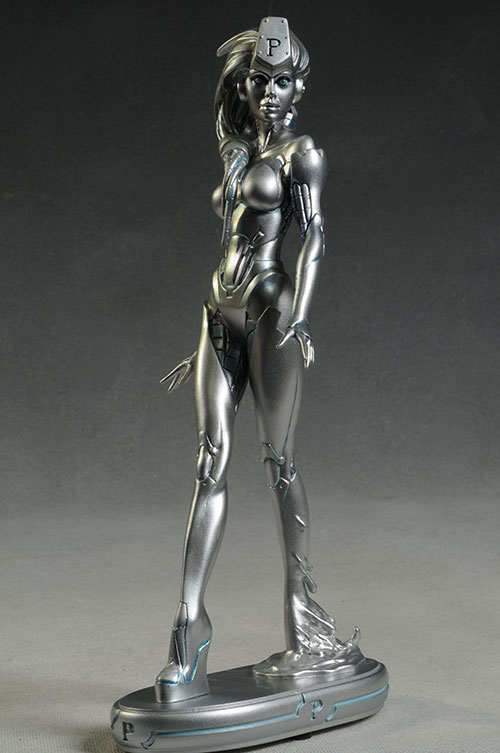 Platinum Cover Girls DC Universe statue by DC Collectibles