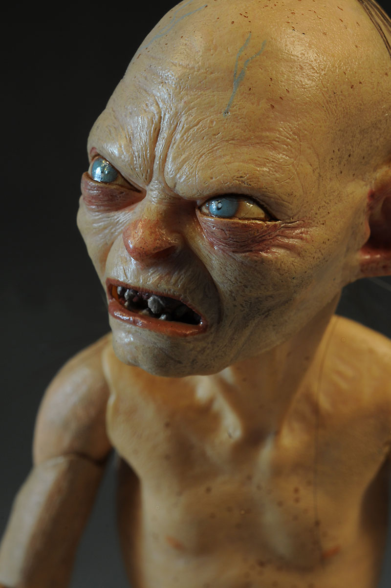 Gollum Hobbit quarter scale action figure by NECA