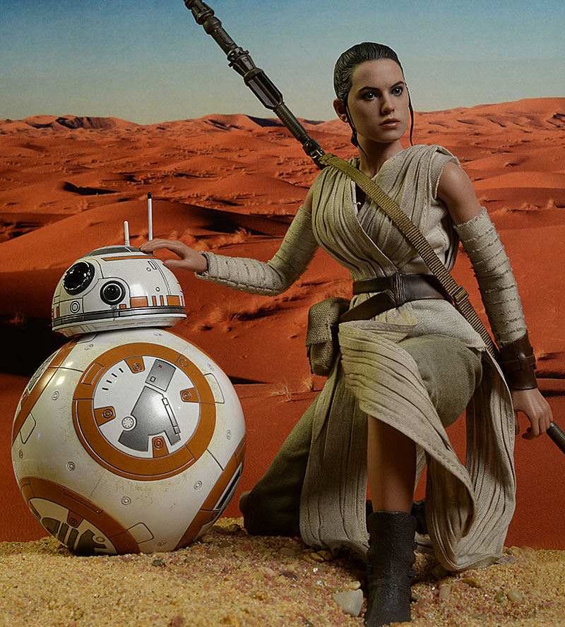 Hot Toys Rey and BB-8 action figure
