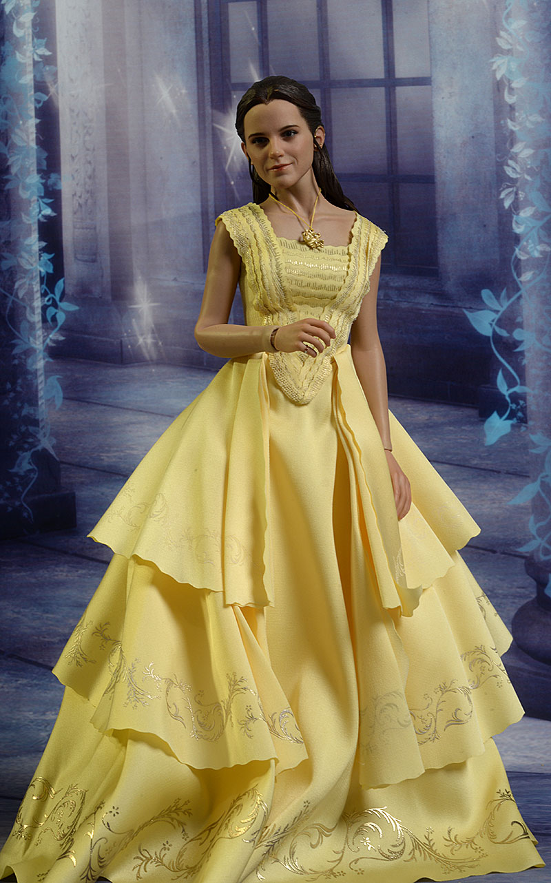 Belle Beauty and the Beast sixth scale action figure by hot Toys