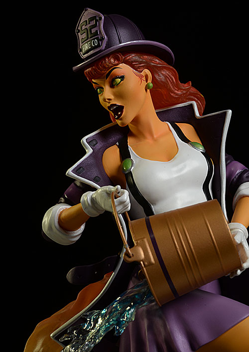 Star Fire DC Bombshells statue by DC Collectibles