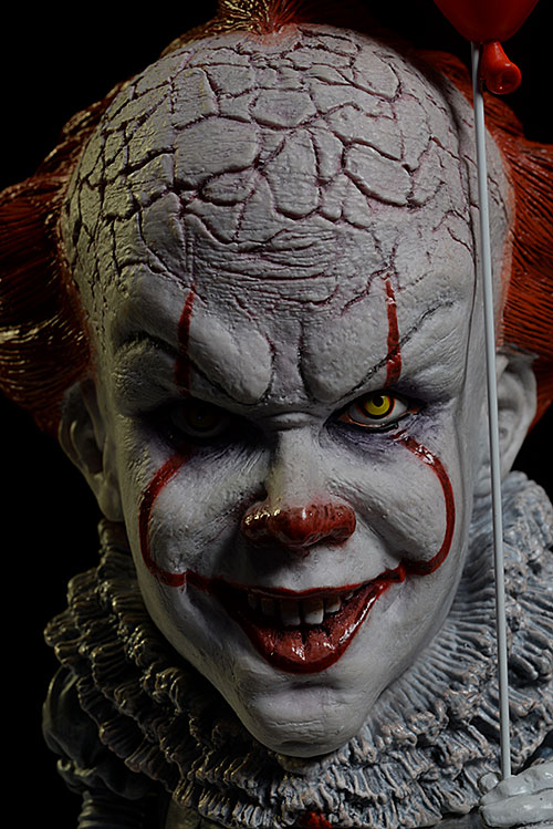 Pennywise IT vinyl action figure by Star Ace