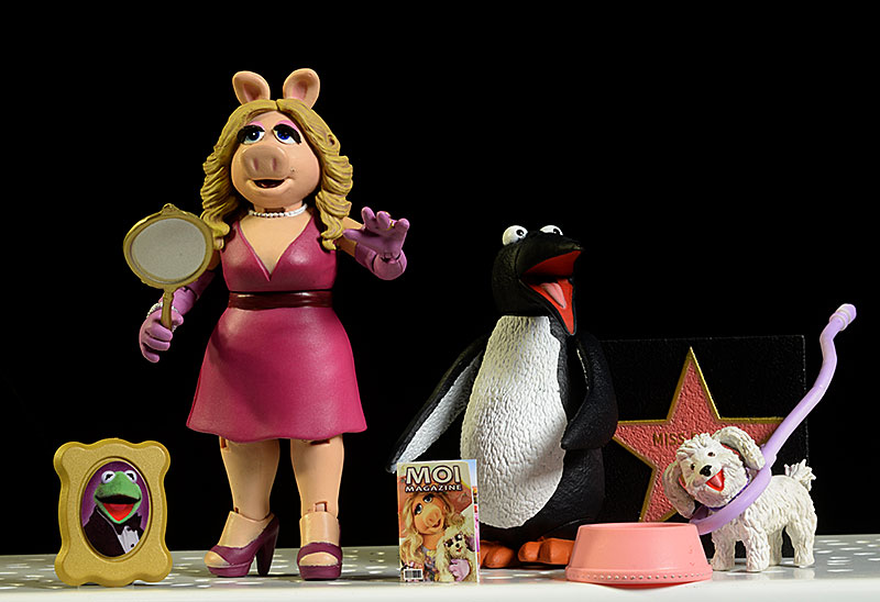 Miss Piggy /& Foo Foo /& Penguin The Muppets Select Action Figures