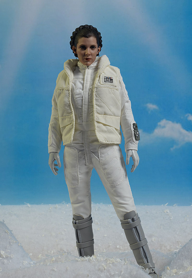 Star Wars ESB Hoth Princess Leia Sixth Scale Action Figure by Hot Toys