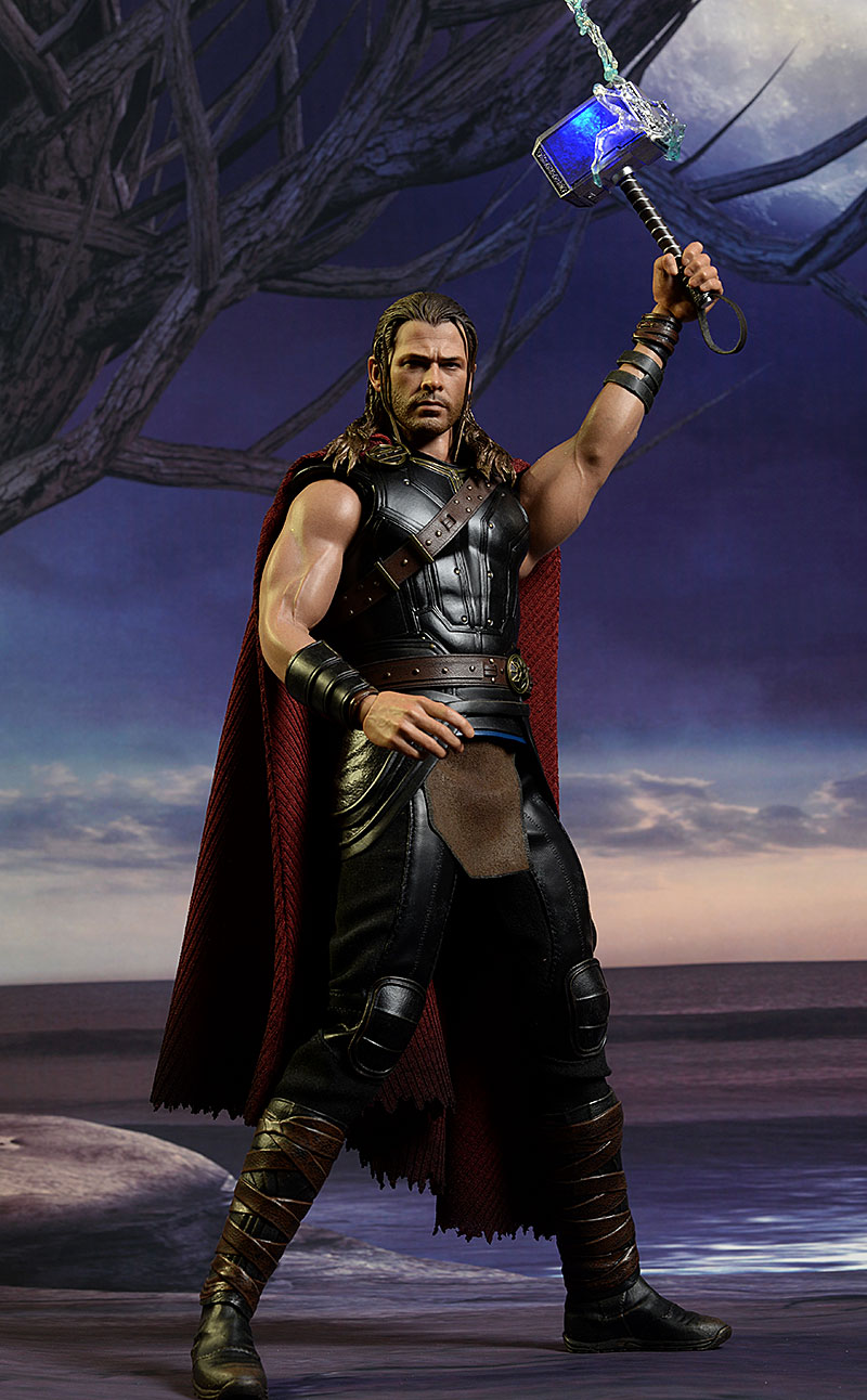 Roadworn Thor Ragnarok sixth scale action figure by Hot Toys