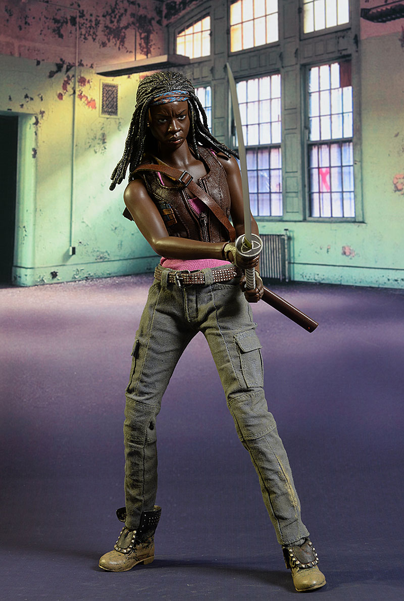 Topics tagged under walkingdead on OneSixthFigures Review_michonne_6