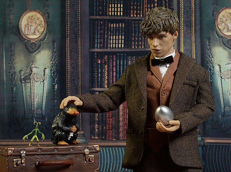 Fantastic Beasts Newt Scamander sixth scale figure review Review_newt_13