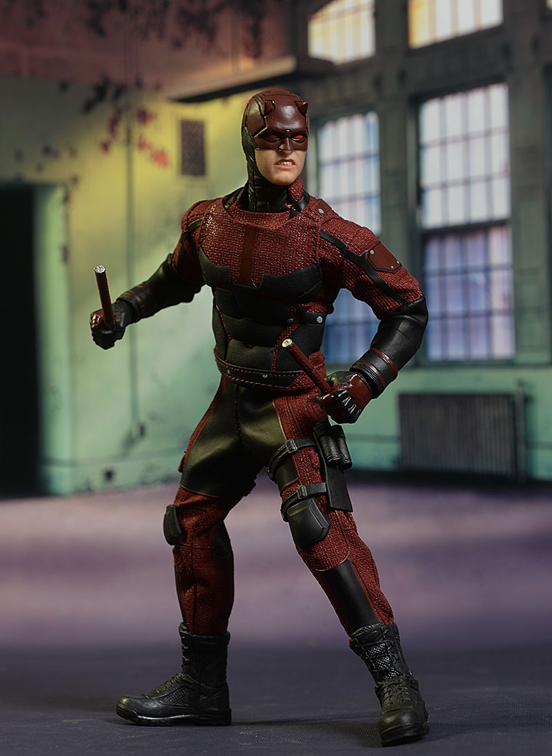 Review and photos of Daredevil Netflix One:12 Collective action figure