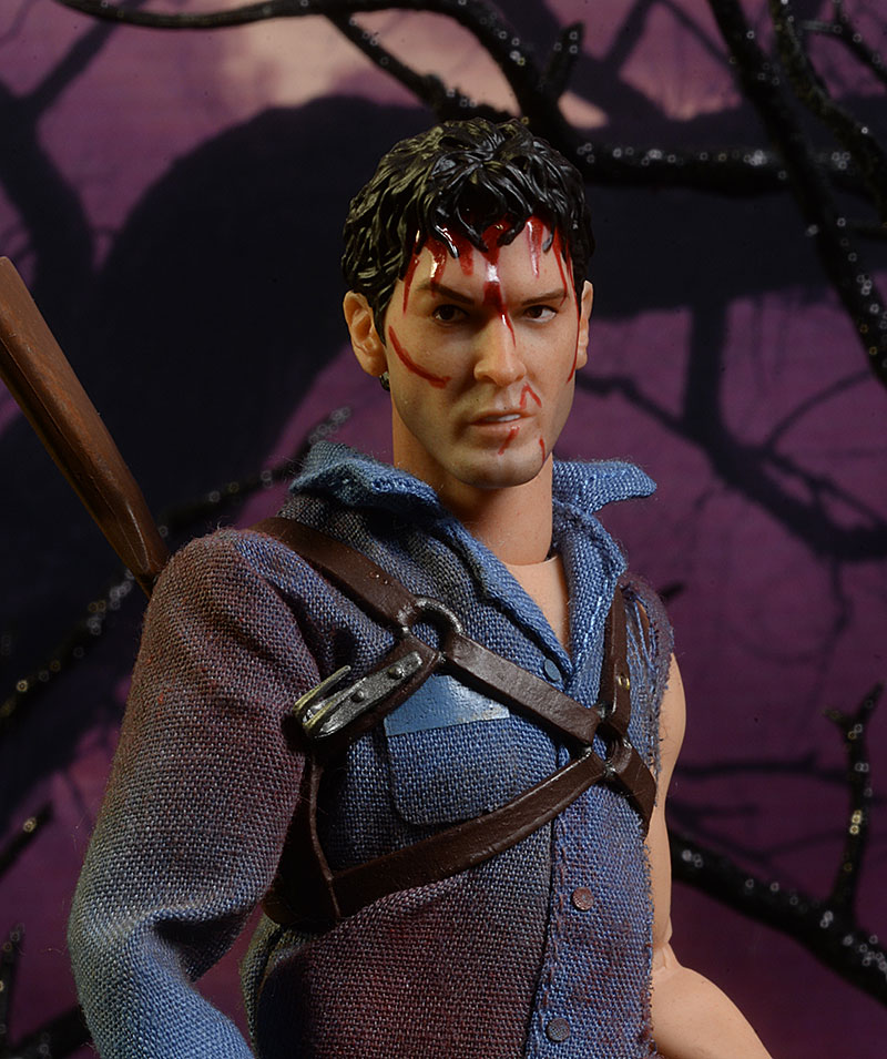 Mezco Toyz ONE:12 COLLECTIVE Ash Evil Dead 2 Army Of Darkness Action Figure Book