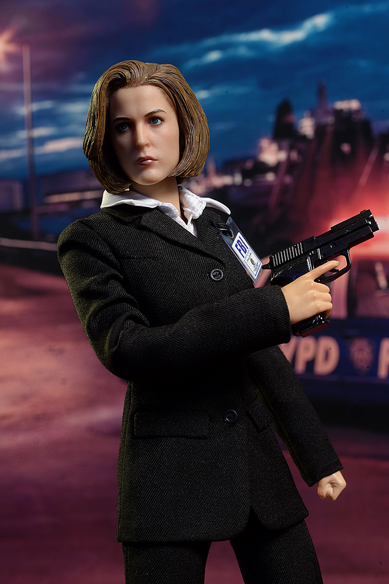 Agent Dana Scully X-Files sixth scale action figure by ThreeZero