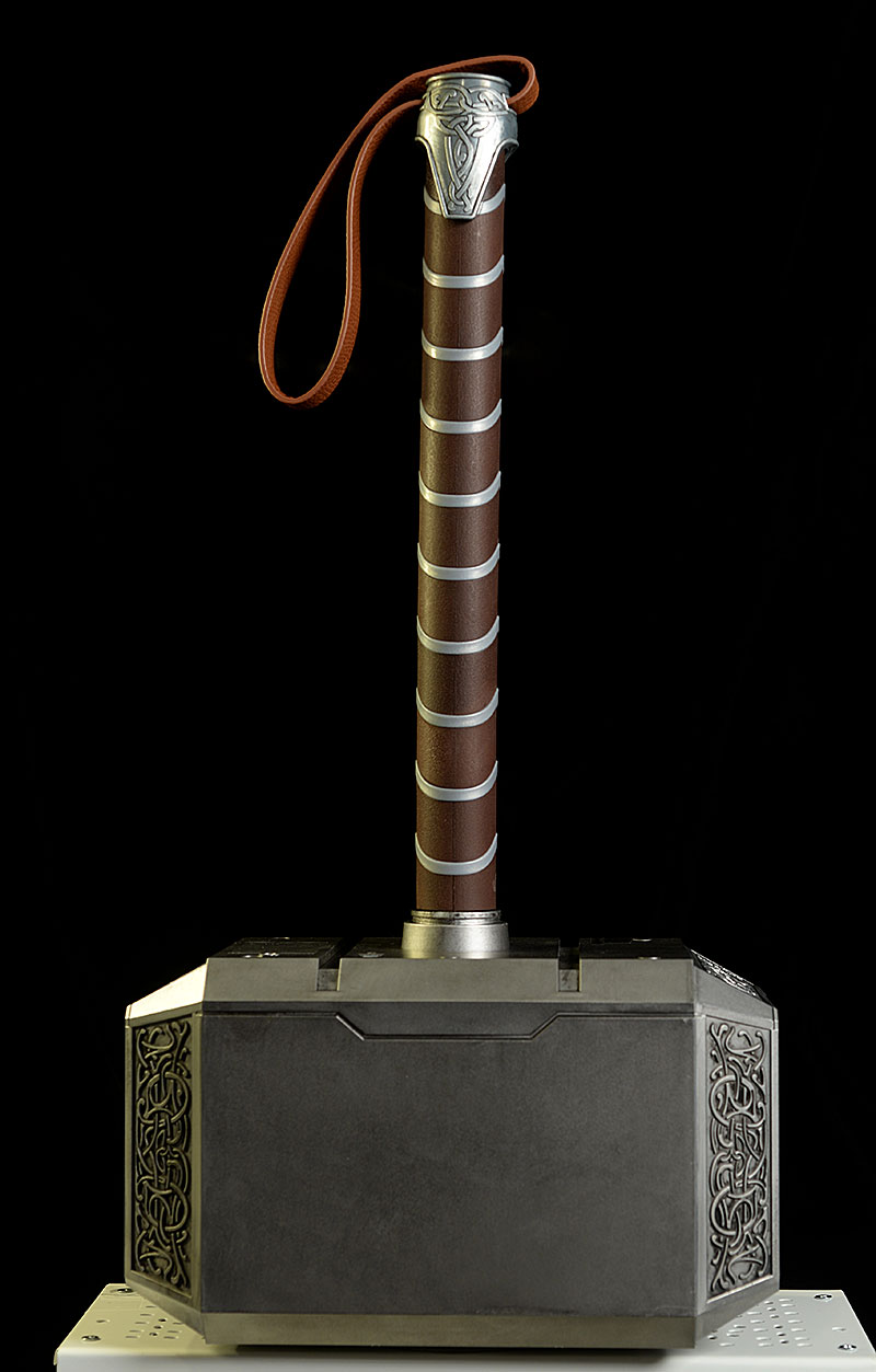 review and photos of mjolnir thor s hammer prop replica by