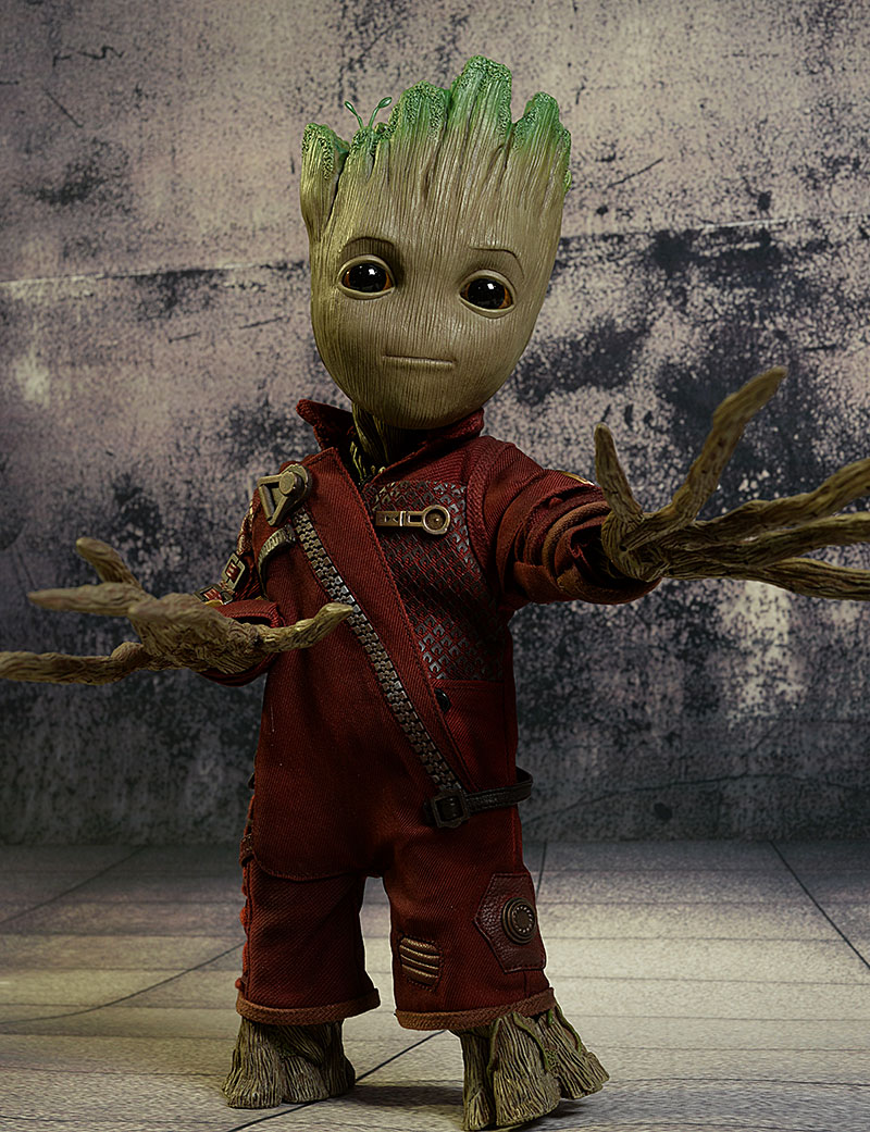 Groot Guardians of the Galaxy 1:1 replica action figure by Hot Toys