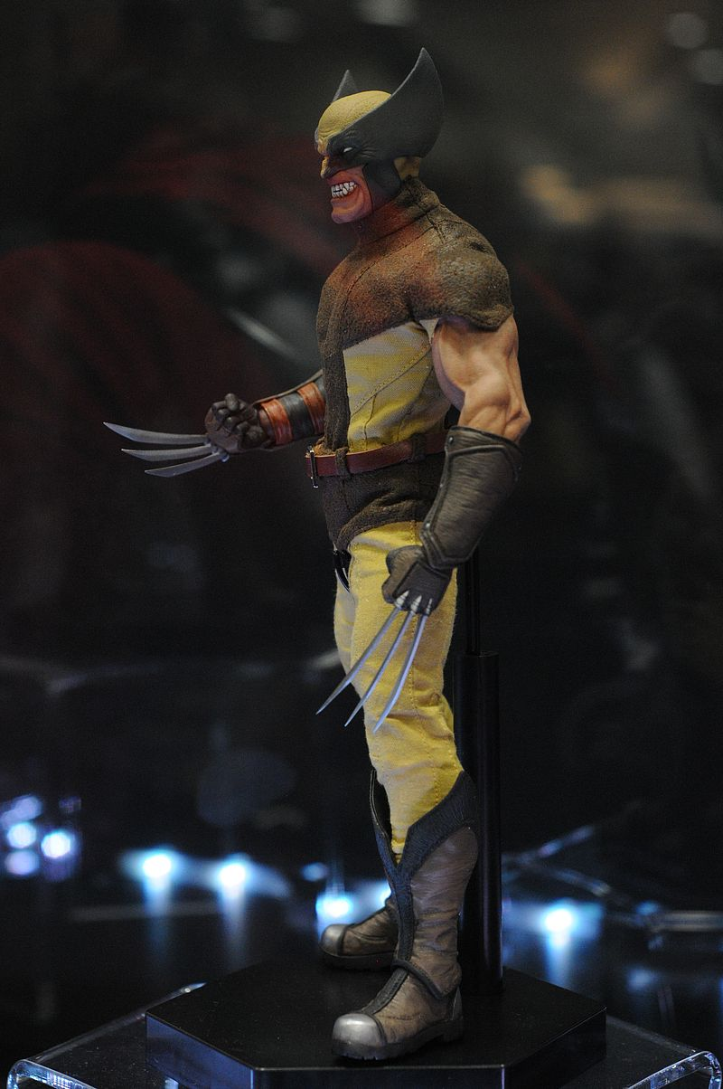 [Sideshow] Marvel Sixth Scale Collection - Wolverine Sdcc2014_sideshow_103